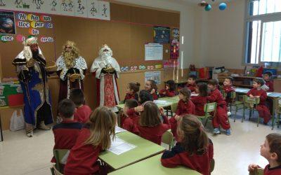 Los Reyes Magos de Oriente visitan las aulas de Infantil