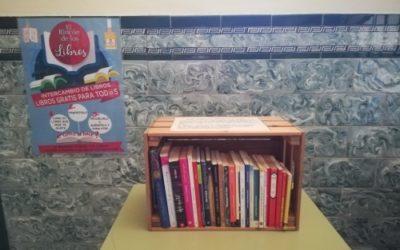 Un grupo de alumnado de la asignatura de Literatura Universal, junto a su profesora, pone en marcha una iniciativa de intercambio de libros para el fomento de la lectura